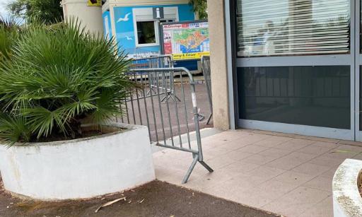 Pétition : Contre la fermeture des établissements au Village Naturiste