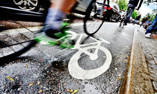 Oui au plan alternatif pour les cyclistes et les piétons circulant à Bruxelles et qui ne nécessite pas la suppression des bandes de circulation pour les voitures!