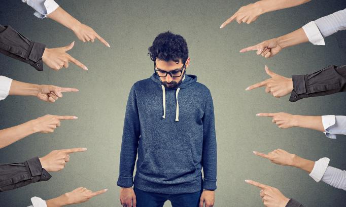 Pétition : Stop au forcing