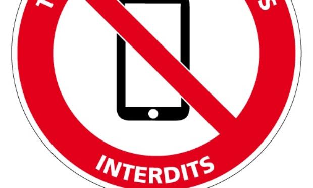 Non au retrait des portables à 19H30 !