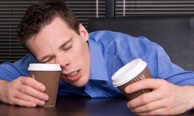 Le café nous permet de rester éveillé(e)s !