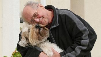 Pétition : Pour que les résidents des maisons de retraite gardent leurs animaux de compagnie !
