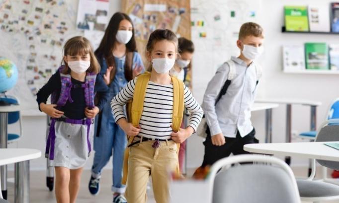 Contre le port du masque obligatoire à partir de 6 ans à l'école de Saint-Cézaire