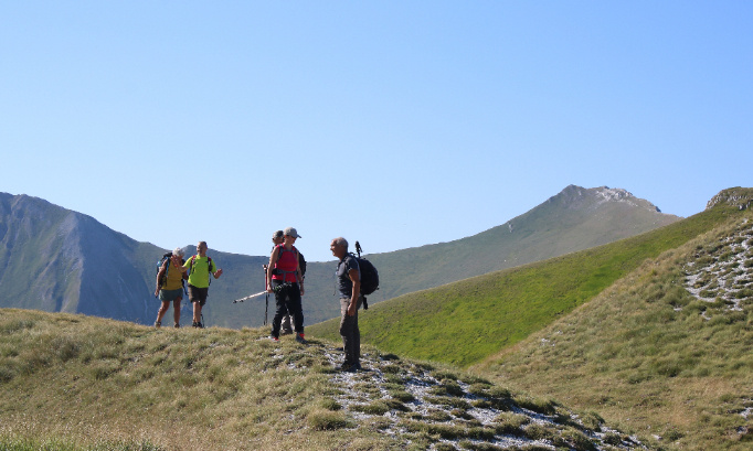 Pétition : Nous voulons pouvoir emmener des groupes randonner dès le 15 novembre prochain, en proximité (20km).