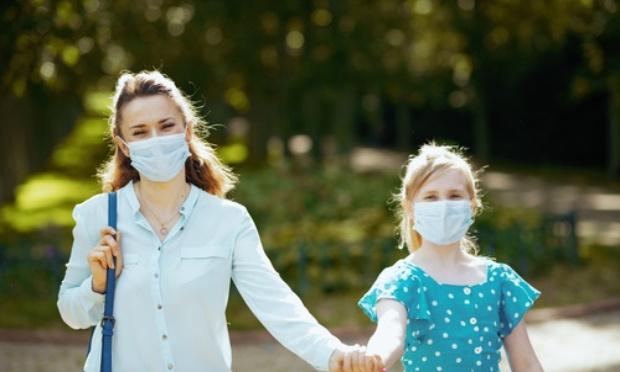 Contre le port du masque pour les enfants