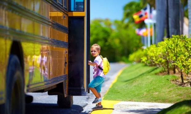 Bus scolaire le midi