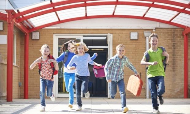 Non à l'ajout des deux semaine de vacances aux fêtes et à la prolongation de l'année scolaire jusqu'en Juillet !
