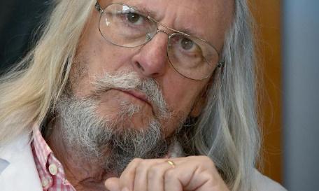 Pour le limogeage d'Olivier Veran et son remplacement immédiat par le Professeur Didier Raoult