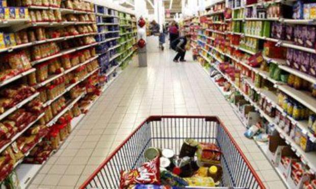 Interdire les courses aux retraités le samedi.