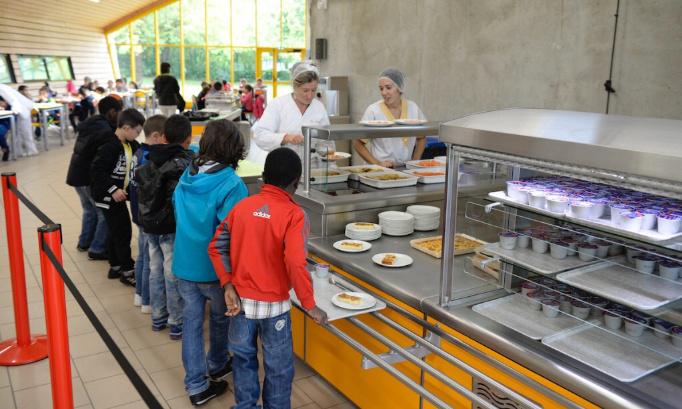 Changer les repas de la cantine du Collège de L'Archet