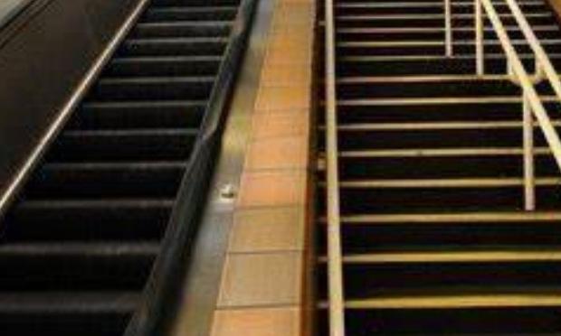 Marre des escaliers, place au escalator !