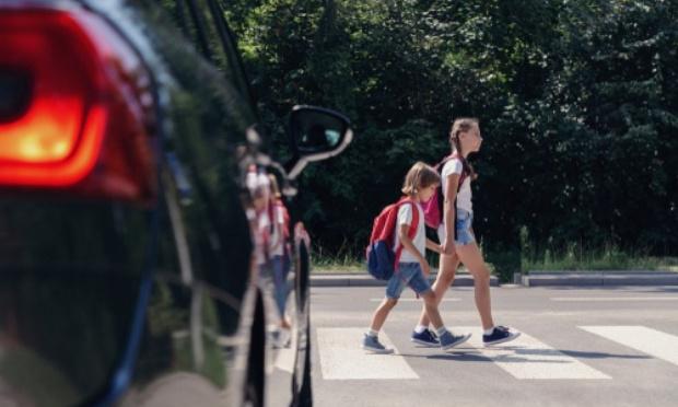 Deux écoliers renversés en traversant la route N370 en face du lycée Alfred Nobel. Deuxième accident impliquant des enfants sur cet axe routier en l'espace de deux mois.