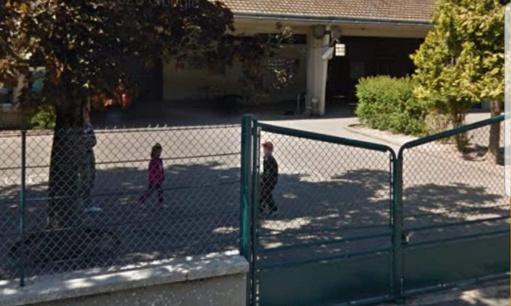 Adapter un lieux de stationnement école de chézy sur marne