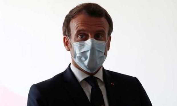 2 ans de confinement pour Macron