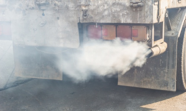 Camion sur des rails et plus sur les routes ! STOP A LA POLLUTION
