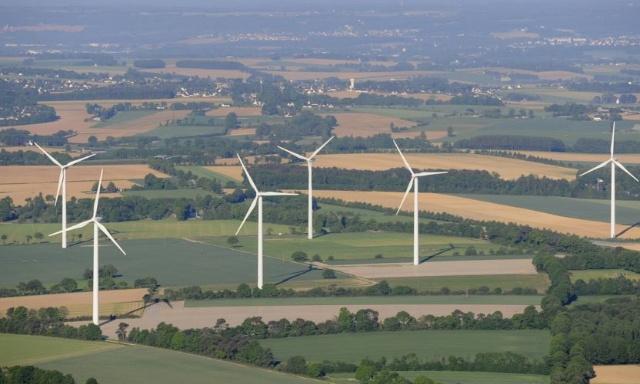 Stop aux éoliennes à Saint-Vran