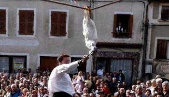 Pétition : La Fête du cou de l'oie : la honte d'Arfeuilles (Allier) !
