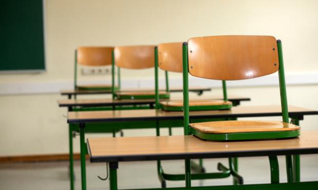 Pétition : Non à la fermeture d'une classe sur le RPI Tours sur Meymont La Chapelle Agnon
