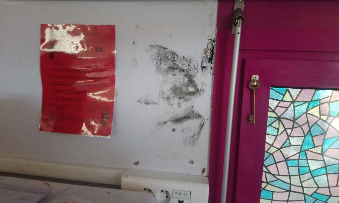 Agir contre les moisissures dans la maternelle des Rotondes à Avignon
