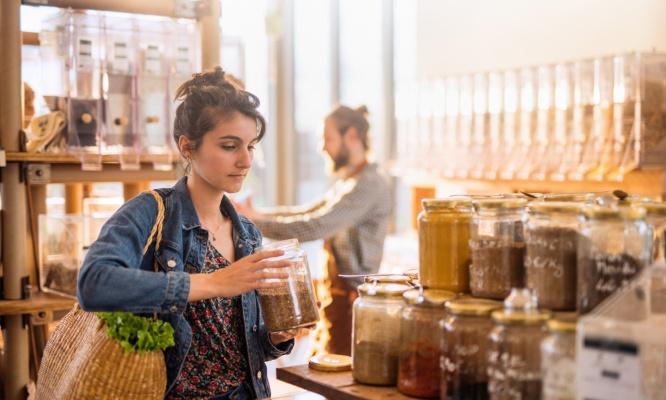 Non à la fermeture des petits commerces dans les centres commerciaux
