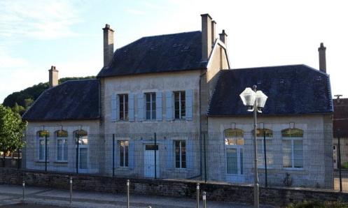 Pétition : Non à la fermeture de la 6ème classe de l'école publique de Pouilly en Auxois