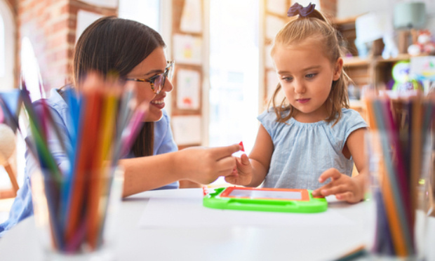 Contre la fermeture d'une classe à l'école maternelle de Cazaubon