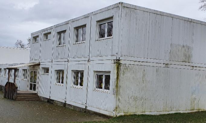 Non aux pavillons supplémentaires à l'école primaire de Trembley