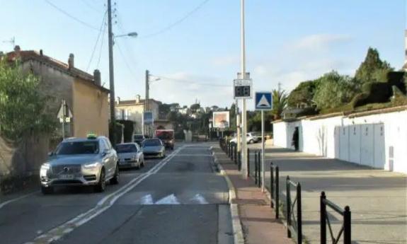 Rétablissement double sens de circulation route de Valbonne