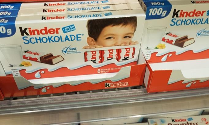 Pour que Kinder remette la photo de Térence sur les boites de chocolat!