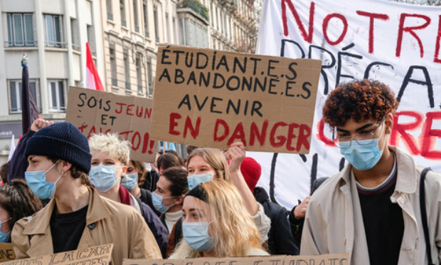 Pétition : La situation des étudiants en France