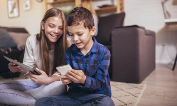 Loi pour limiter la possession d'un smartphone à destination des enfants et adolescents