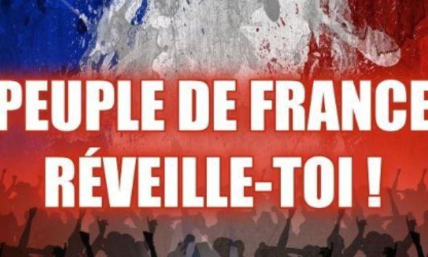 Emmanuel Macron.  A été élu qu'avec 16 % des électeurs, ce qui n'est pas démocratique du tout