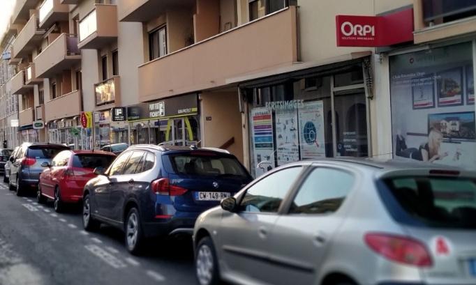 Stationnement entrée EST de la ville de PAU