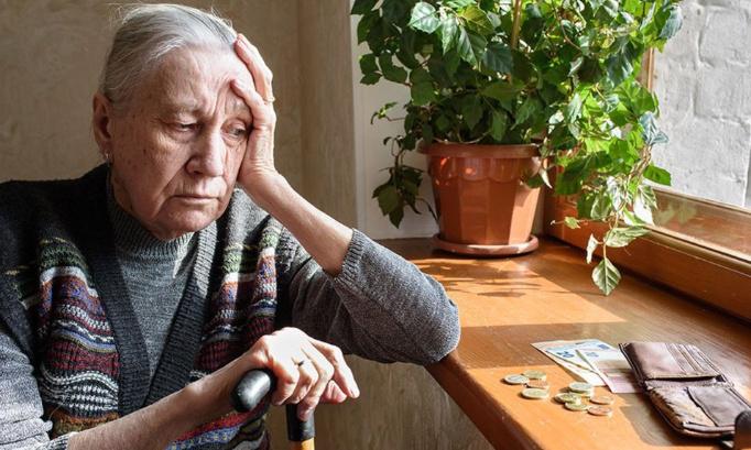 Pétition : Je souhaite que tous les ménages, et notamment les retraités isolés, pauvres, retraites inférieures à 1 000 euros ne soient pas impactés par la baisse des APL au point de ne plus pouvoir payer leurs loyers et leurs factures. Limiter seuil de baisse.