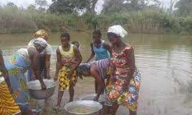Pétition : un village de 2000 âmes , on a besoin d'eau potable donc construction d'une pompe villageoise