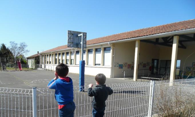 Pour la sauvegarde de l'école de Brassempouy