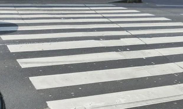 Pour une campagne de sensibilisation application du code de la route pour les vélos et les voitures ( passages piétons, place sur la voie publique de l'un et de l'autre,...  )