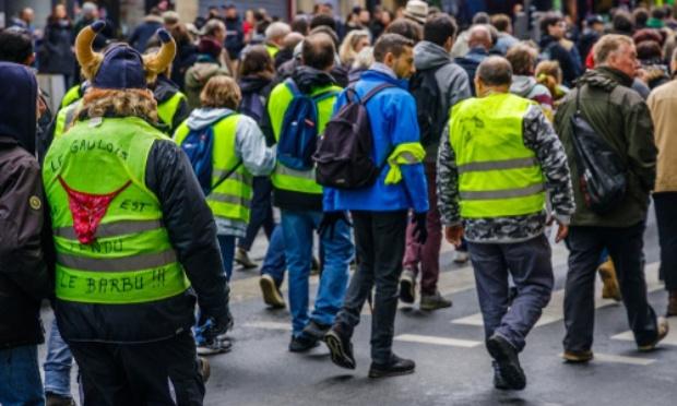 Manifestation gilets jaunes anti couvre feu et anti confinement