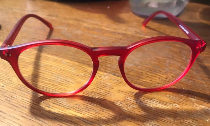 Changer lunettes rouge de Catherine