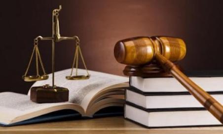 Nous demandons au Ministre de la justice de faire appliquer la loi par les magistrats (Juge aux affaire familials) et que le principe d'égalité entre les Femmes et les Hommes soit respecté dans l'intérêt des enfants mais aussi celui des parents