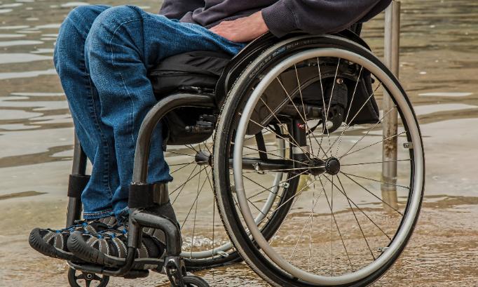 Pétition : Handicap : pour palier l'absence de places en établissements médico-sociaux français