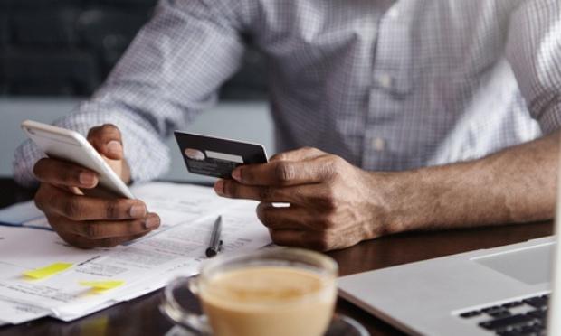 Échange renseignements compte bancaire personnel