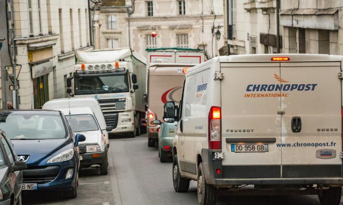 Stop à la circulation des poids lourds de plus de 7 tonnes dans Preuilly sur Claise!