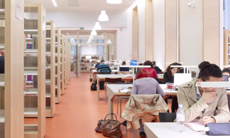 Elargissement des horaires de la bibliothèque de Versailles