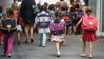 Pétition : Non aux augmentations tarifaires pour les parents d'élèves de Saint-Mitre-les-Remparts !