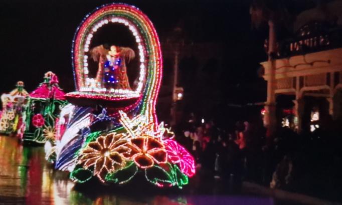 Pétition : Pétition très urgente pour que la parade fantastique fantillusion reviennent à disneyland paris elluminerait le parc magique