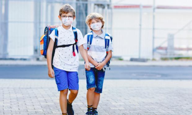 Stop au port du masque à l'école