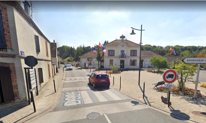 Mise en place de chicanes rue Jean Monnet à PIERRES