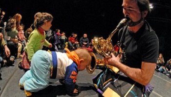 Protect the hearing of babies and children during musical concerts