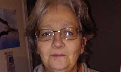 Nous demandons la libération immédiate de Hélène Lombard qui dénonce les crimes des placements abusifs d'enfants